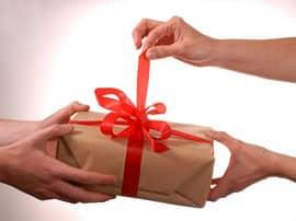 Что подарить на Новый Год родным и близким? Практические советы.
